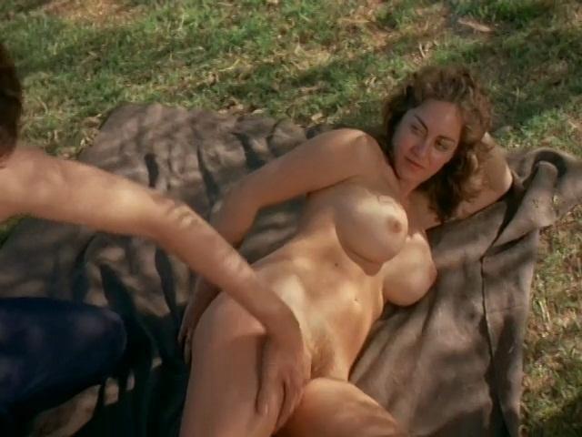 Aguilara Naked